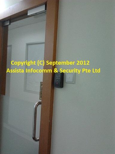 Door Access Control System And Door Access Control